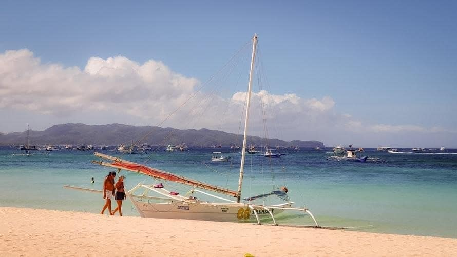 Boracay Travel Guide: 6 Things to Know if You are a First-Time Visitor
