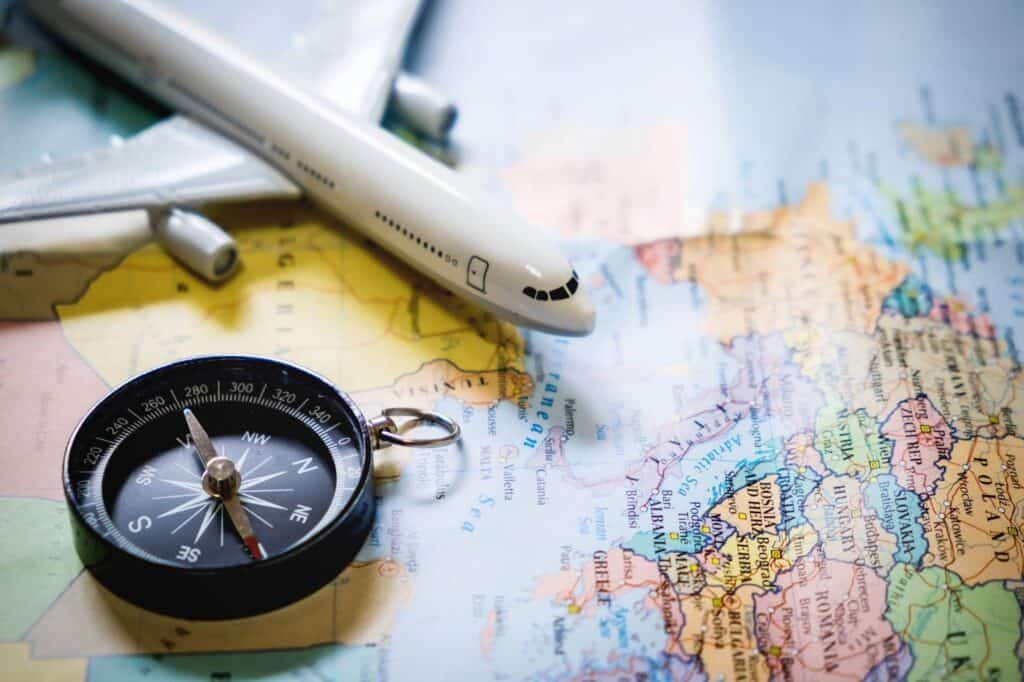 HOW TO PACK SMART WHILE TRAVELLING ABROAD